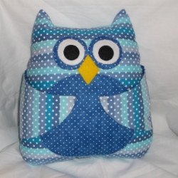Art Totes, patchwork books, seat belt buddies, quilts, cushions, felt toys and ornaments, cuddly toys and more.