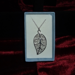 Filigree leaf pendant. Leaf measures 1.5inches long on an 18inch chain. 925 silver.