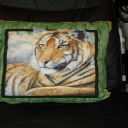 "18"" Quilted resting tiger cushion, from a panel. Lovely face."